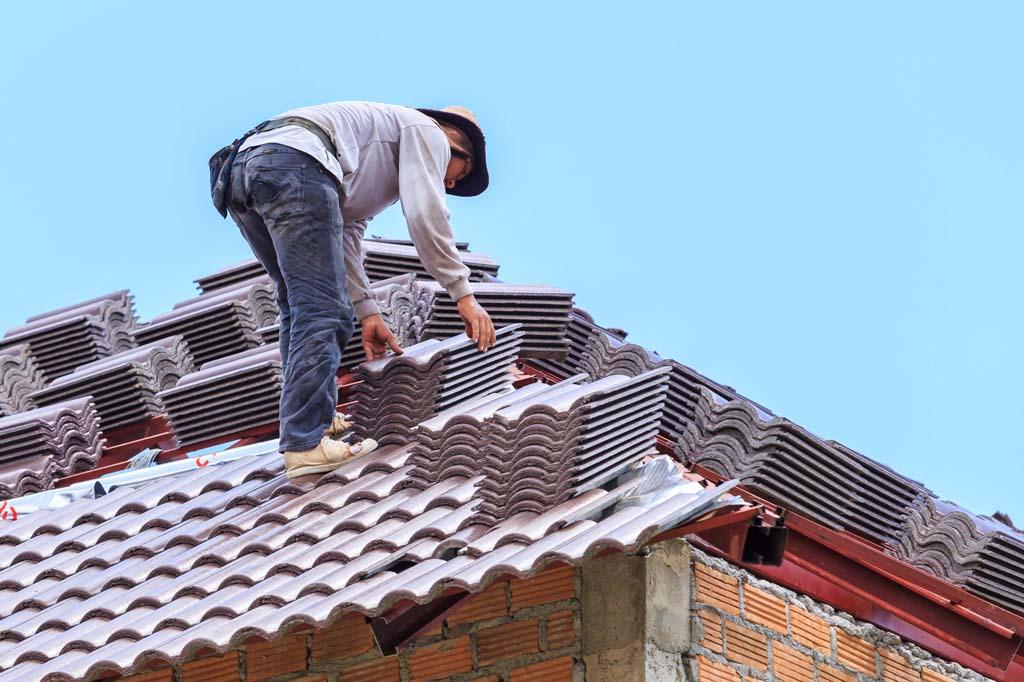 Wymiana więźby dachowej – 5 oznak, że remont to za mało