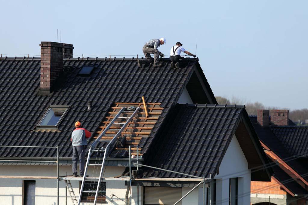Jakie okna dachowe sprawdzą się na niewielkim poddaszu?