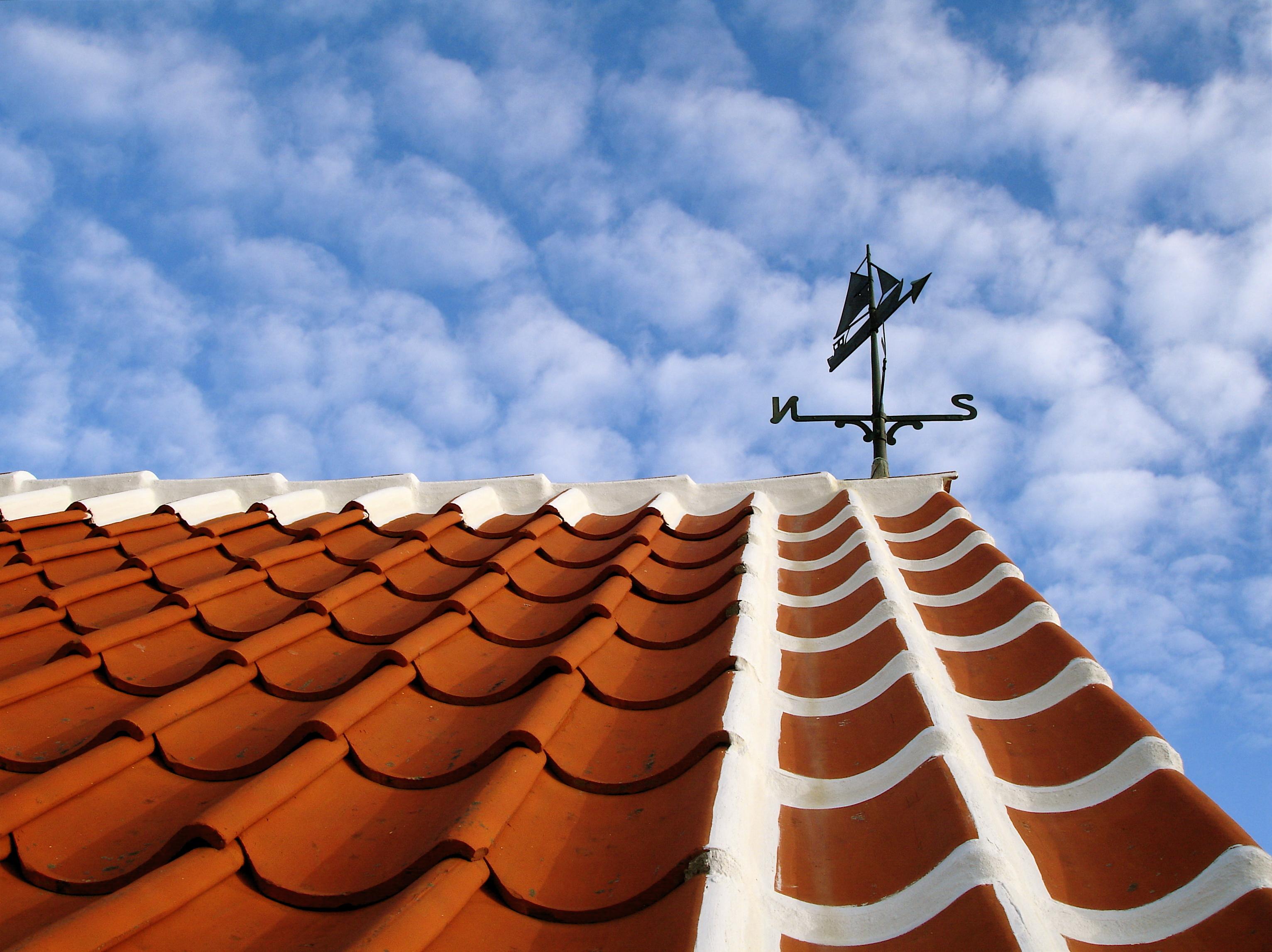 Dachówka ceramiczna i cementowa jako przedstawicielki cięższego kalibru